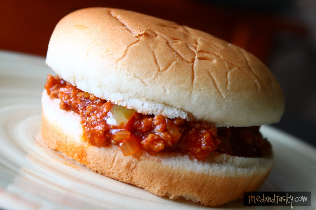 Sloppy Joes // A delicious sandwich great for any weeknight or weekend, perfect for large gatherings. The Pioneer Woman's Sloppy Joes are just as fantastic as you can imagine. | Tried and Tasty
