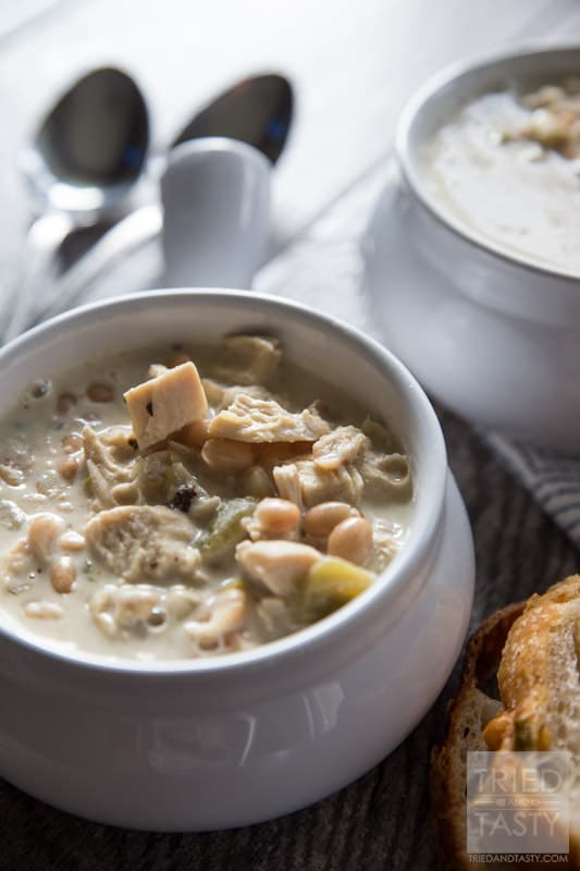 Creamy White Chili // This is one of the BEST chicken chili recipes out there! EVERYONE that has tried it has asked for the recipe. Try it for yourself and you'll see why! | Tried and Tasty