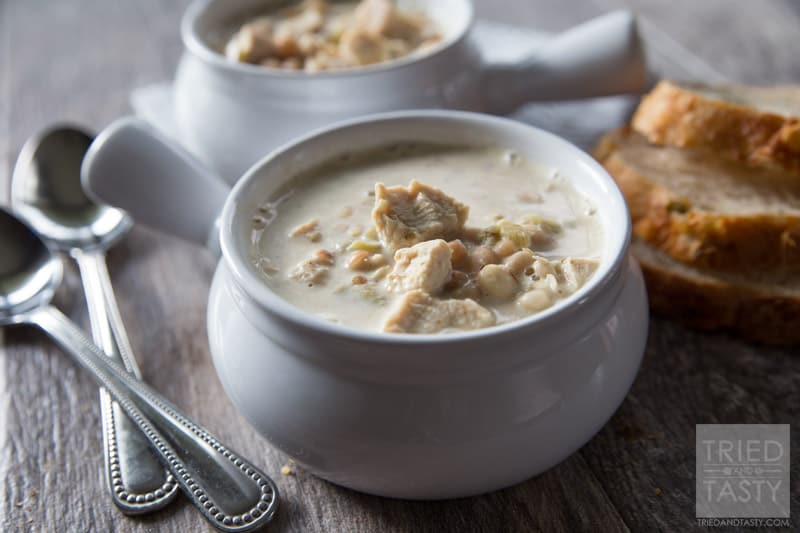Creamy White Chili // This is one of the BEST chicken chili recipes out there! EVERYONE that has tried it has asked for the recipe. Try it for yourself and you'll see why!   Tried and Tasty