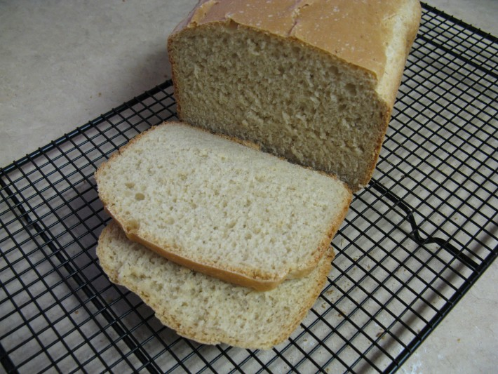 Bread Machine: Light Oat Bread // A great bread machine recipe for a fantastic Light Oat Bread. | Tried and Tasty