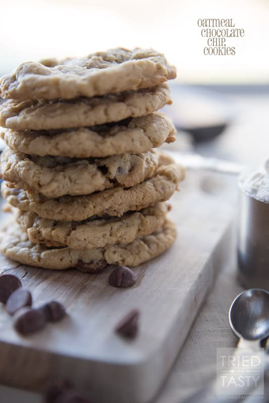 Oatmeal Chocolate Chip Cookies // Oatmeal Chocolate Chip Cookies are the kind of cookies that make you feel like home. This recipe will do just that. Feel at home with these delicious cookies.   Tried and Tasty