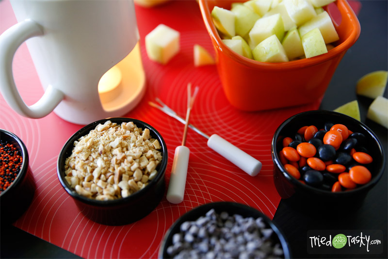 Caramel Apple Fondue // TriedandTasty