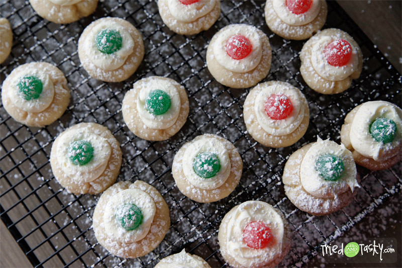 Sugarplum Thumbprints // These sweet little cookies are festive and fun! | Tried and Tasty