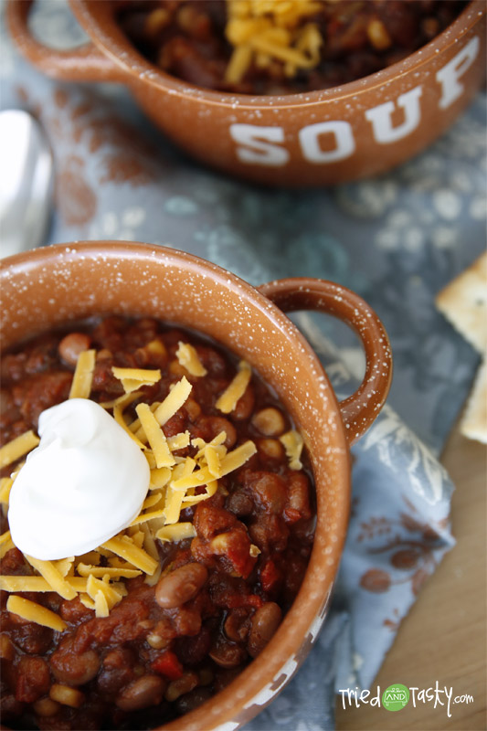 Slow Cooker Vegetarian Chili // Tried and Tasty