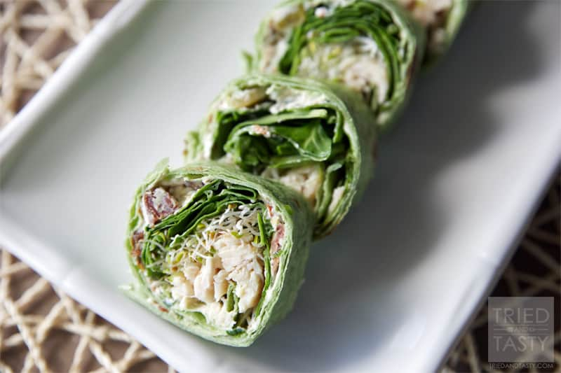 Chicken, Spinach & Cream Cheese Tortilla Wrap // This quick & easy lunch is wonderfully delicious. With the help of rotisserie chicken you can have this tasty wrap in less than 10 minutes! | Tried and Tasty
