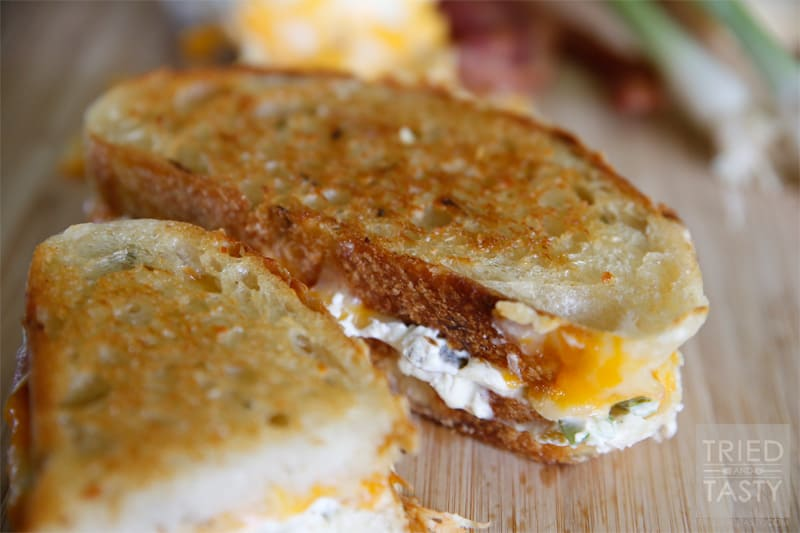 Jalapeño Popper Grilled Cheese Sandwich + VIDEO - Tried ...