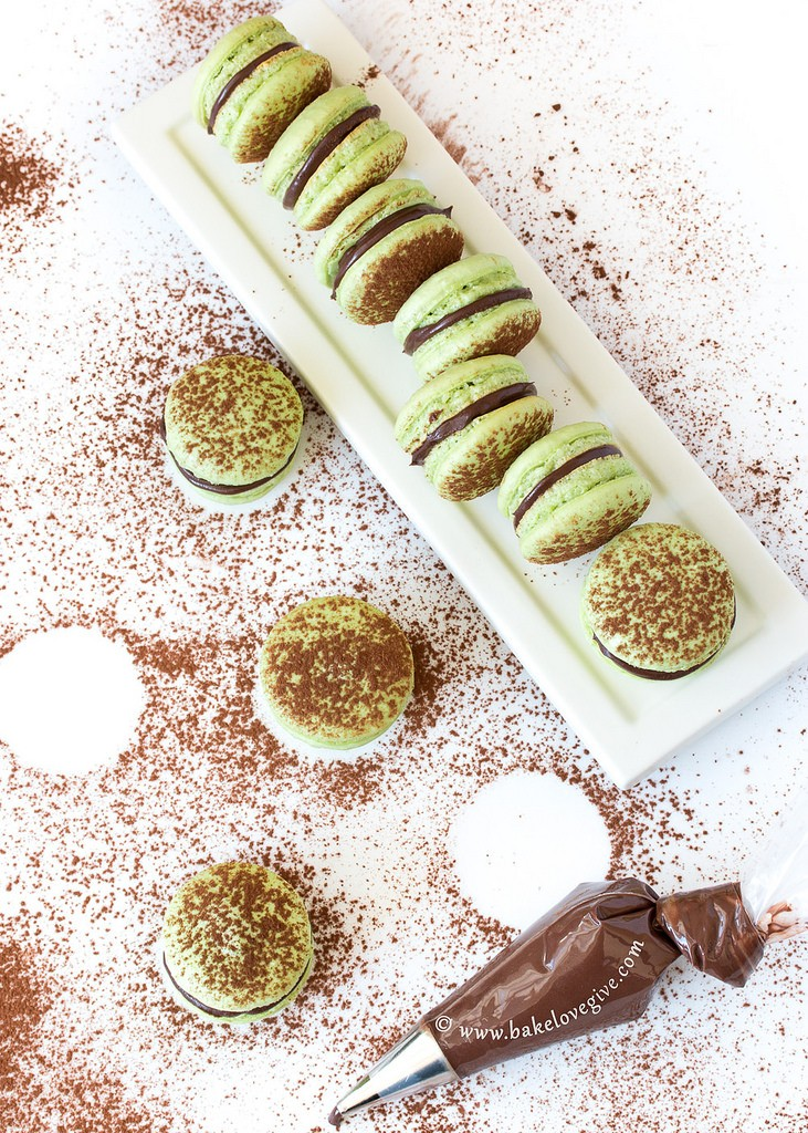 Chocolate Mint French Macarons // Bake Love Give