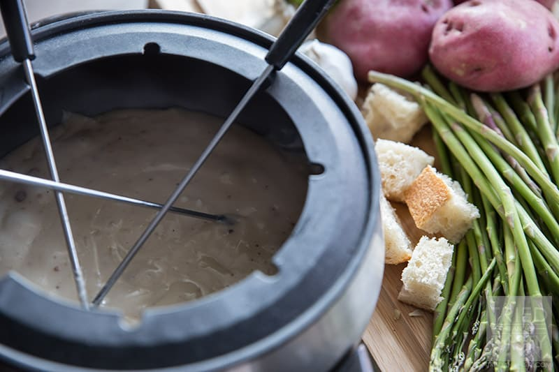 Copycat Melting Pot Traditional Swiss Fondue // The perfect romantic dinner idea for any special occasion! | Tried and Tasty