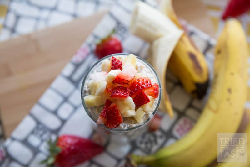Strawberry & Banana Overnight Oats |  Prep your breakfast the night before with these easy overnight oats with only 4 ingredients plus your fruit, you will have a healthy filling breakfast! | Tried and Tasty
