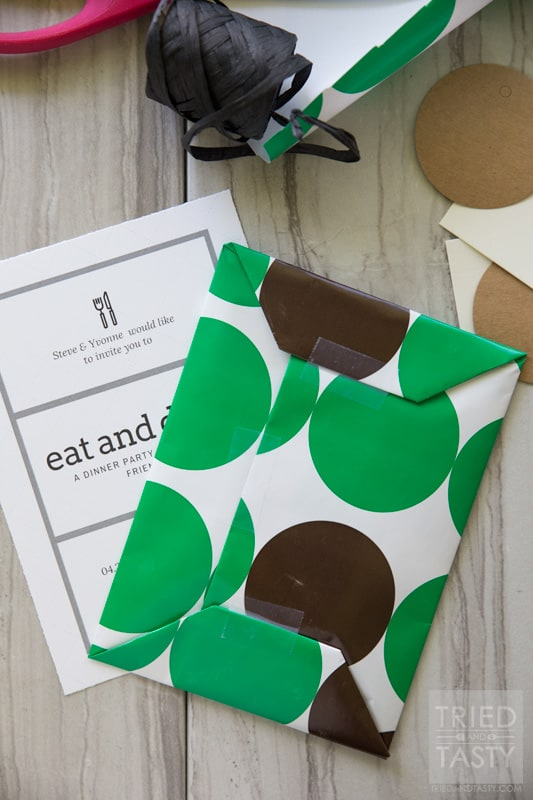 Dinner Party Guest Invite: How To // Want a fun way to invite your guests to your next dinner party? You won't believe how easy it can be. With only a few simple supplies you'll have a modern yet classy invitation in no time at all! | Tried and Tasty