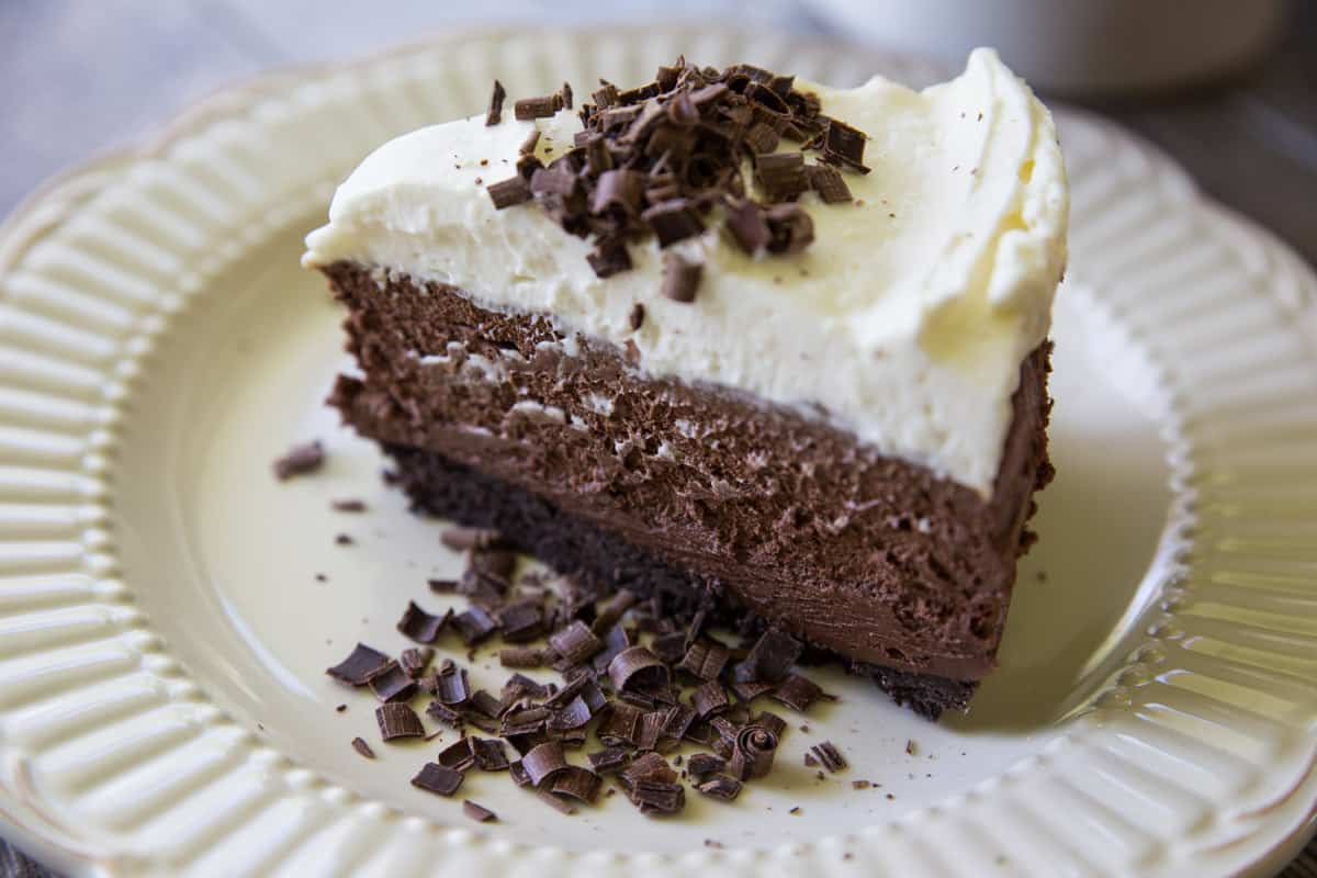 Sky High Chocolate Mousse Pie // Tried and Tasty