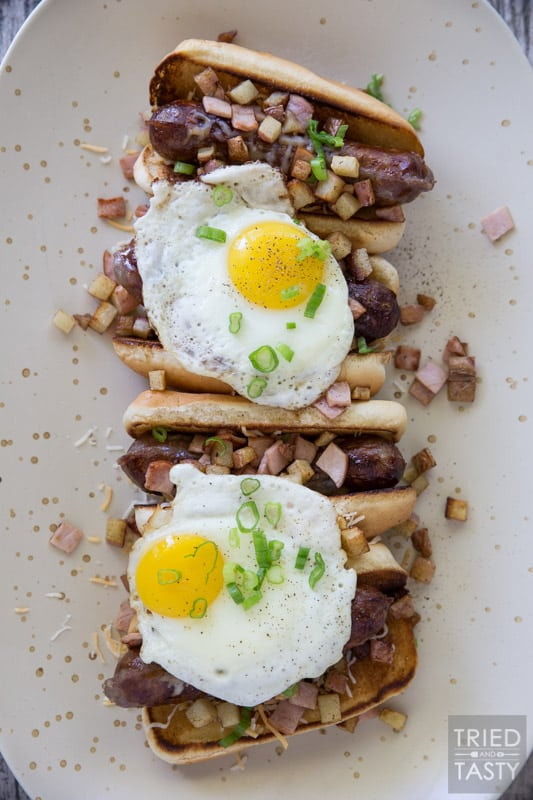 Breakfast Brats // Looking for a creative way to have your breakfast? This is my new favorite! It's got all of my favorite flavors packed together and (not that it needs to be) is SO portable! Try this fun twist and see how quickly you fall in love! | Tried and Tasty
