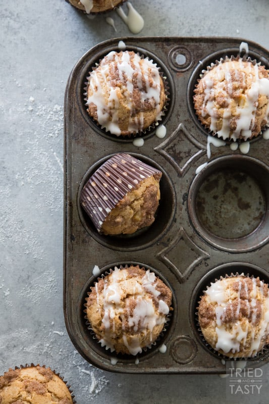 Apple Snickerdoodle Muffins // These muffins are the perfect amount of sweetness, hint of tart, moist, and downright delicious. If you love snickerdoodles, you will fall in love with this muffin! | Tried and Tasty