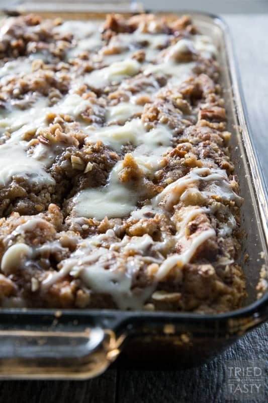 Apple Streusel Breakfast Bake // Cinnamon Rolls and apples are a great combination! | Tried and Tasty