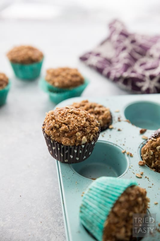 Carrot Oat Muffins With A Sweet Crunchy Streusel // Doesn't get any easier than this muffin. Great for breakfast or snack. Made with whole wheat, oats, and a list of healthy refined sugar-free ingredients. The sweet and crunchy streusel is the 'icing on the cake'. | Tried and Tasty