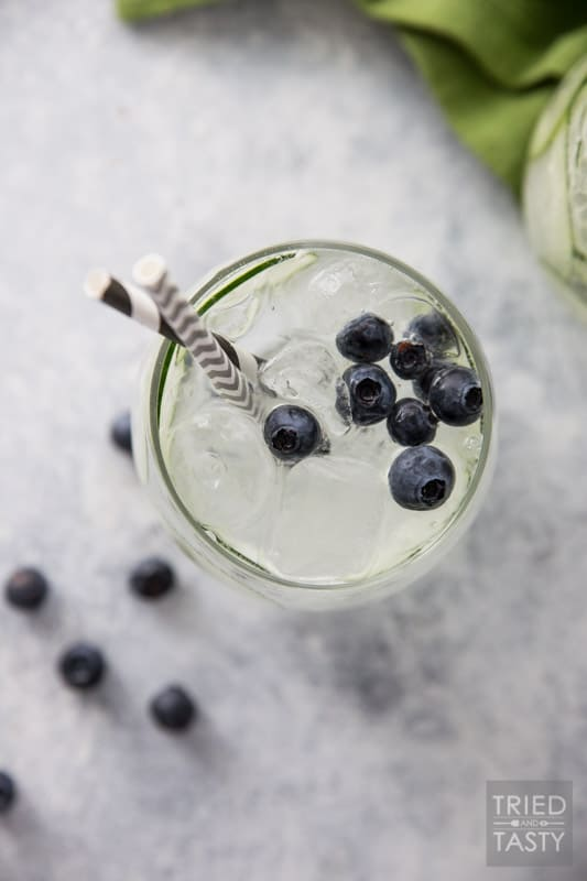 Sparkling Cucumber Blueberry Spa Water // This refreshing 3-ingredient spritzer will transport you to a place of relaxation. This energizing drink is the perfect thirst quencher! | Tried and Tasty